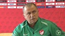 Türkiye Futbol Direktörü Fatih Terim Basın Toplantısı Düzenledi-4-