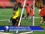 Jugadores manudos celebraron el 'Día del Niño' con pequeños aficionados