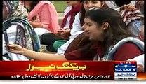 Young Lady Doctors Enjoying While Protesting Against Government - Ehtajaj Mein Picnic Ka Rang