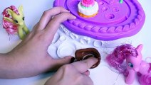 Play-Doh Sweet Shoppe Cake Mountain Playset Play Dough Montaña de Pasteles Play Doh Toy Videos