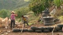 Colombie: des pneus usagés servent à bâtir des maisons