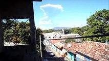 **EN VIVO** Volcan Chaparrastique San Miguel El Salvador en Erupcion 29 Diciembre 2013