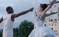 Quand JR invite le ballet de New York en banlieue française