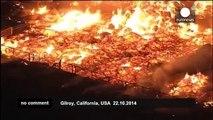 Firefighters battle barn blaze California - no comment