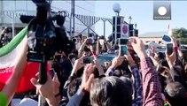 Ιράν: Υποδοχή ήρωα για τον Τζαβάντ Ζαρίφ μετά τη συμφωνία για τα πυρηνικά