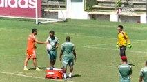 Fred faz aposta com goleiro reserva do Fluminense, acerta dois pênaltis, erra o último e perde a brincadeira. Confira