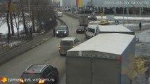 Un piéton russe se fait écraser par un 4x4