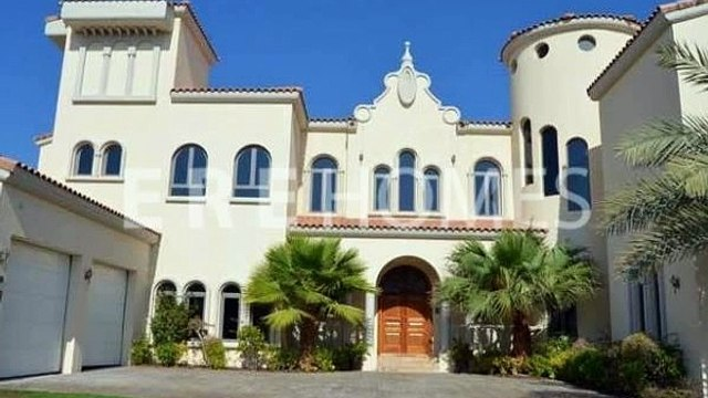 LUXURY EUROPEAN GALLERY VIEW SIGNATURE VILLA LOCATED AT THE TIP OF C FROND AVAILABLE NOW  ER R 11785