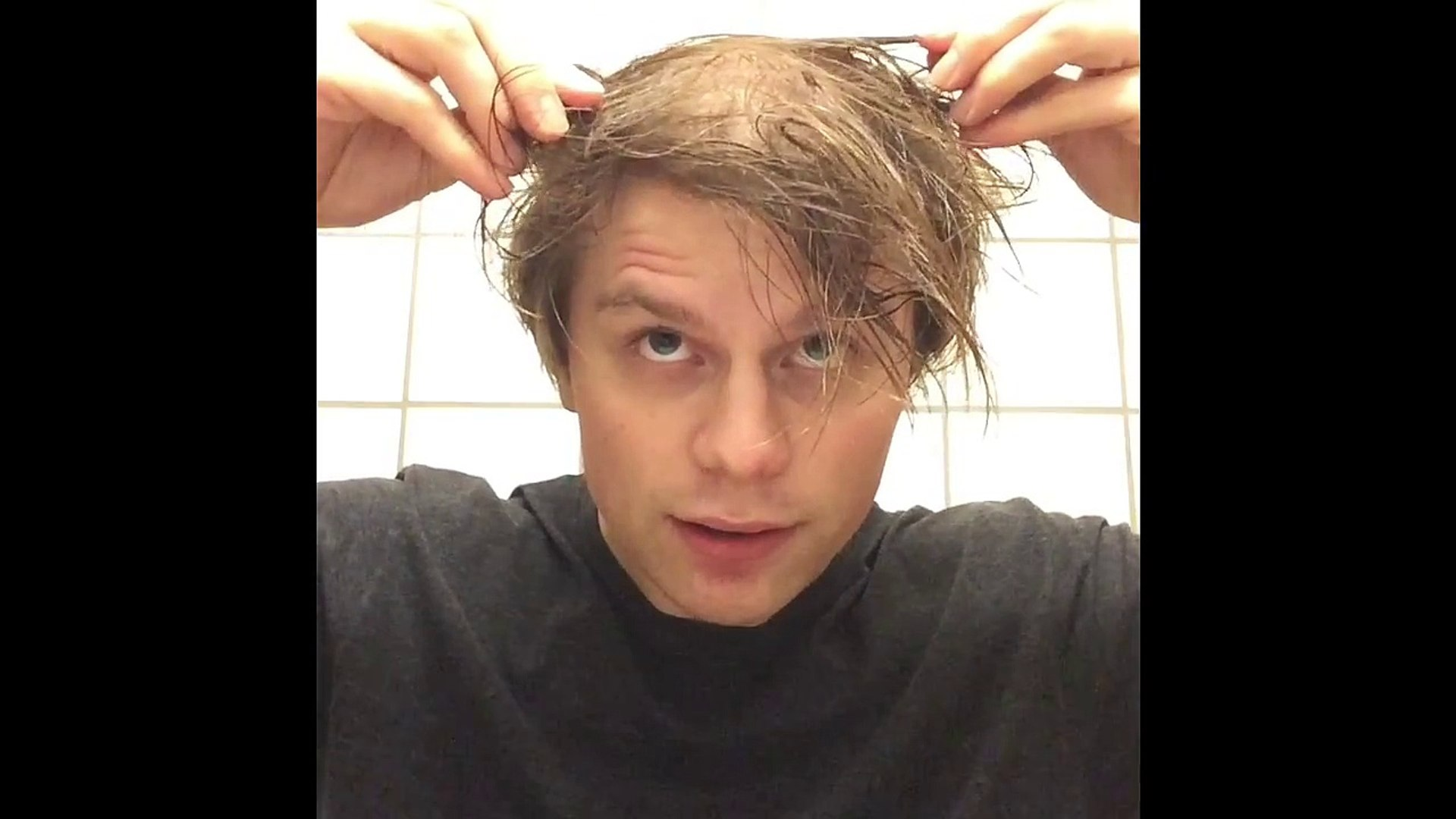 How to style the 11th doctors hair.
