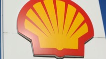 MoneyWatch: Shell buying gas company BG; Consumer groups target robocalls