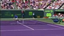 Novak Djokovic s'énerve et effraie un pauvre ramasseur de ba