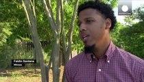 Jetzt traut er sich doch: Der junge Mann hinter dem Handyvideo, auf dem ein Polizist einen Flüchtenden erschießt