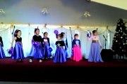 mi hermana cantandole a dios