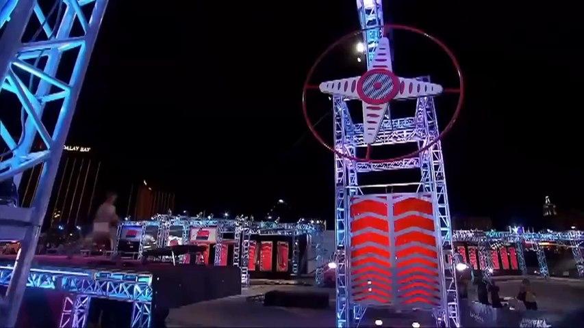 American Ninja Warrior Streaking Contestant Is Amazing