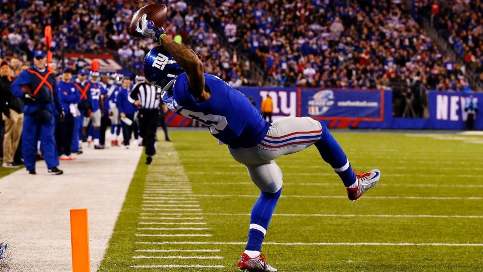 Odell Beckham Jr. Makes 33 1-Handed Catches in 1 Minute, Sets World Record