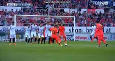 Magnifique coup franc de Neymar (Barcelone - FC Seville 2-2)