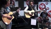 The Wombats - Tequila Sunrise (Eagles) - Session acoustique OÜI FM