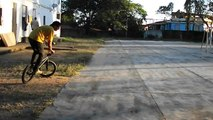 BMX Bunnyhop Whip na Quadra do Ypiranga - Michel Muritiba