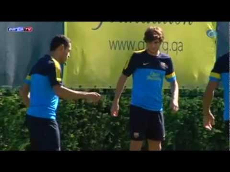 Deportes / Fútbol; Barça, Puyol, Adriano e Iniesta se entrenan ya con el resto de la plantilla