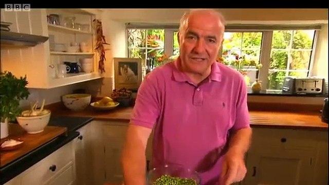 Peas braised with onions & parma ham - Rick Stein's Mediterranean Escape - BBC