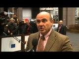 El Eurogrupo decide hoy si acepta la prórroga del rescate a Grecia