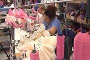 Las costureras terminan los trajes para la Feria