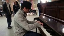Tango piano medley by Benjamin Kahn - busking in the streets of London, UK