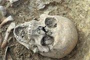 VIDEO. 300 tombes médiévales mises au jour à Niort