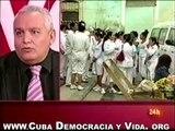 DAMAS DE BLANCO CUBA No4 Policías cubanos apalean y encierran a más de 30 Damas de Blanco.