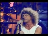 Foreigner - Waiting For A Girl Like You - Live on Stage