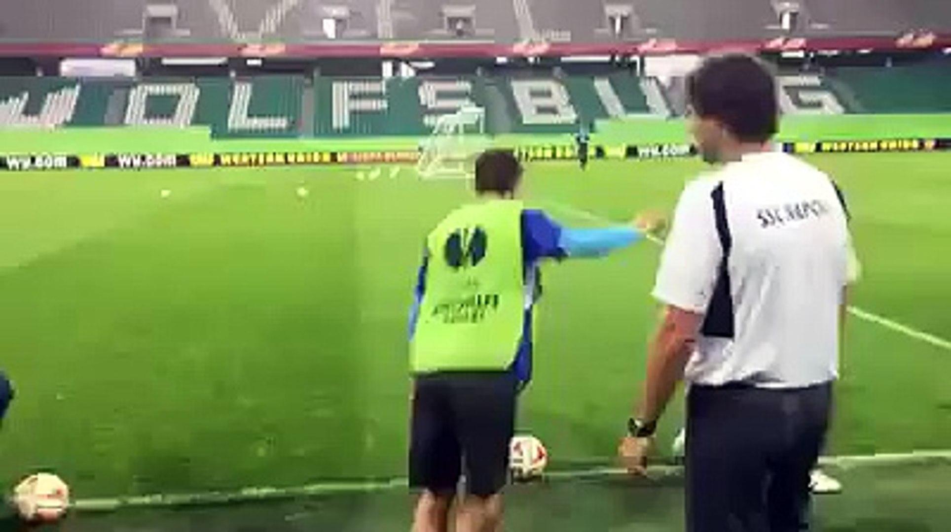 Manolo Gabbiadini amazing goal in training session waiting for Wolfsburg-Napoli UEFA Europa League