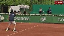 Tennis : au pied de la tour Eiffel, les enfants jouent leur Roland-Garros