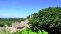 MAISON DE VILLAGE - MÉNERBES Vente en nue propriété - Emplacement d'exception