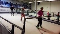 Chez les Russes on s'entraine à faire du ski sur un tapis roulant !