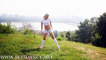 Sexy dance fitness: learn simple dance moves