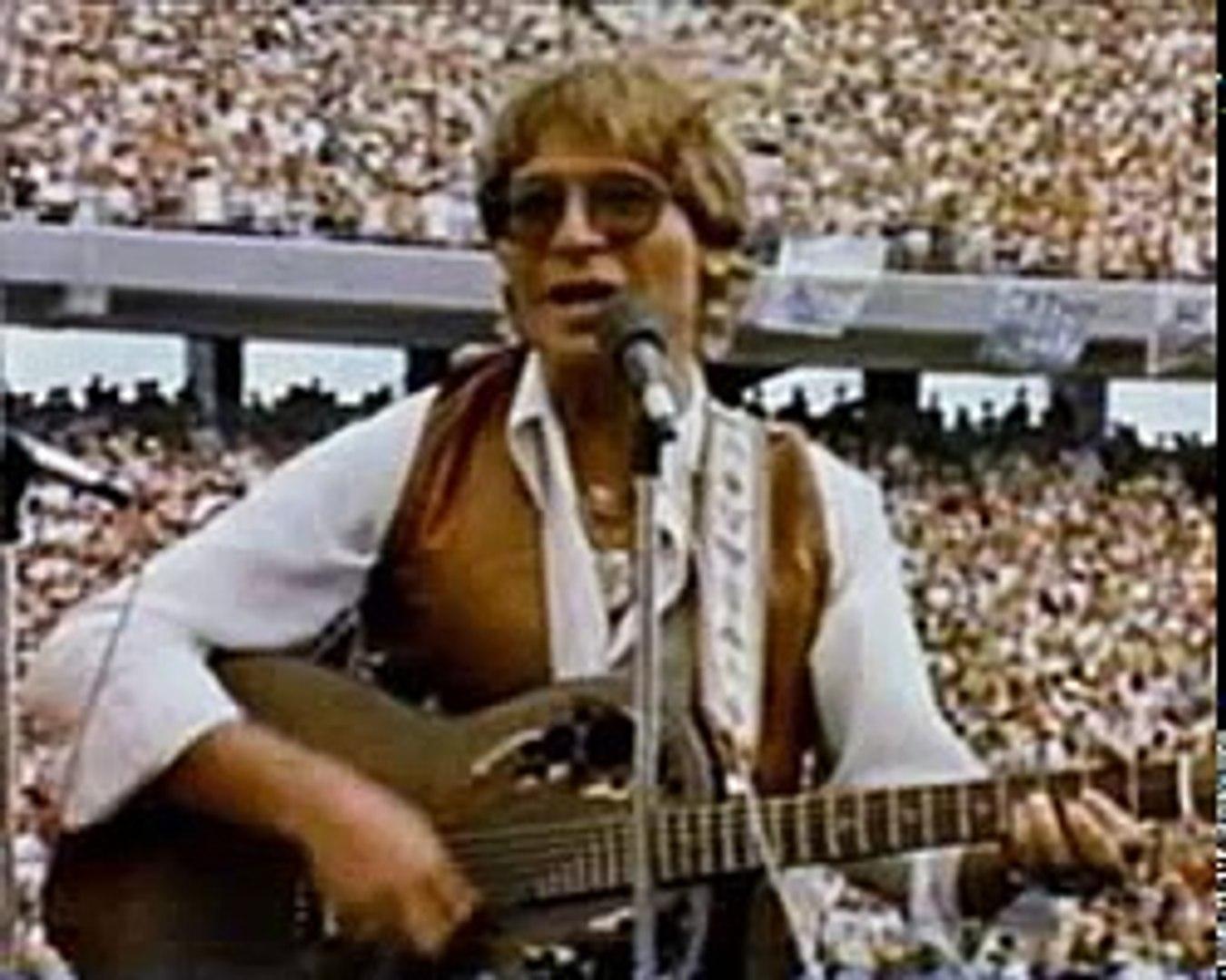 Country Roads-John Denver WVU 1980 Full Song