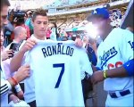 Cristiano Ronaldo throws first pitch at Dodgers-Yankees baseball game - Cロナウド 始球式