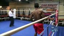 KO extrêmement violent pendant un combat de boxe