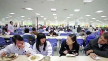 INSIDE CHINESE FACTORIES - The TRUTH about Working Conditions at FOXCONN, APPLE , HP FACTORIES