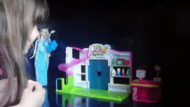 Elsa goes Shopkins Shopping!!!