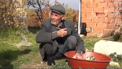 Madenci babasının ayakkabıları yenilendi