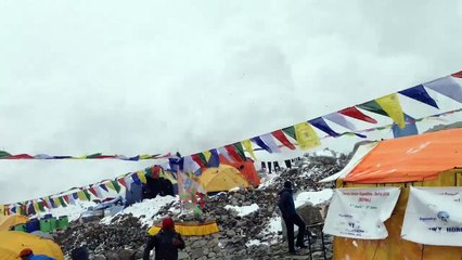 Nepal Earthquake Terrifying Video Shows Moment Avalanche Hits Climbers At Everest Base Camp
