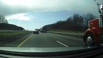 Road rage terrible : Un chauffeur de Camaro cause un gros accident!