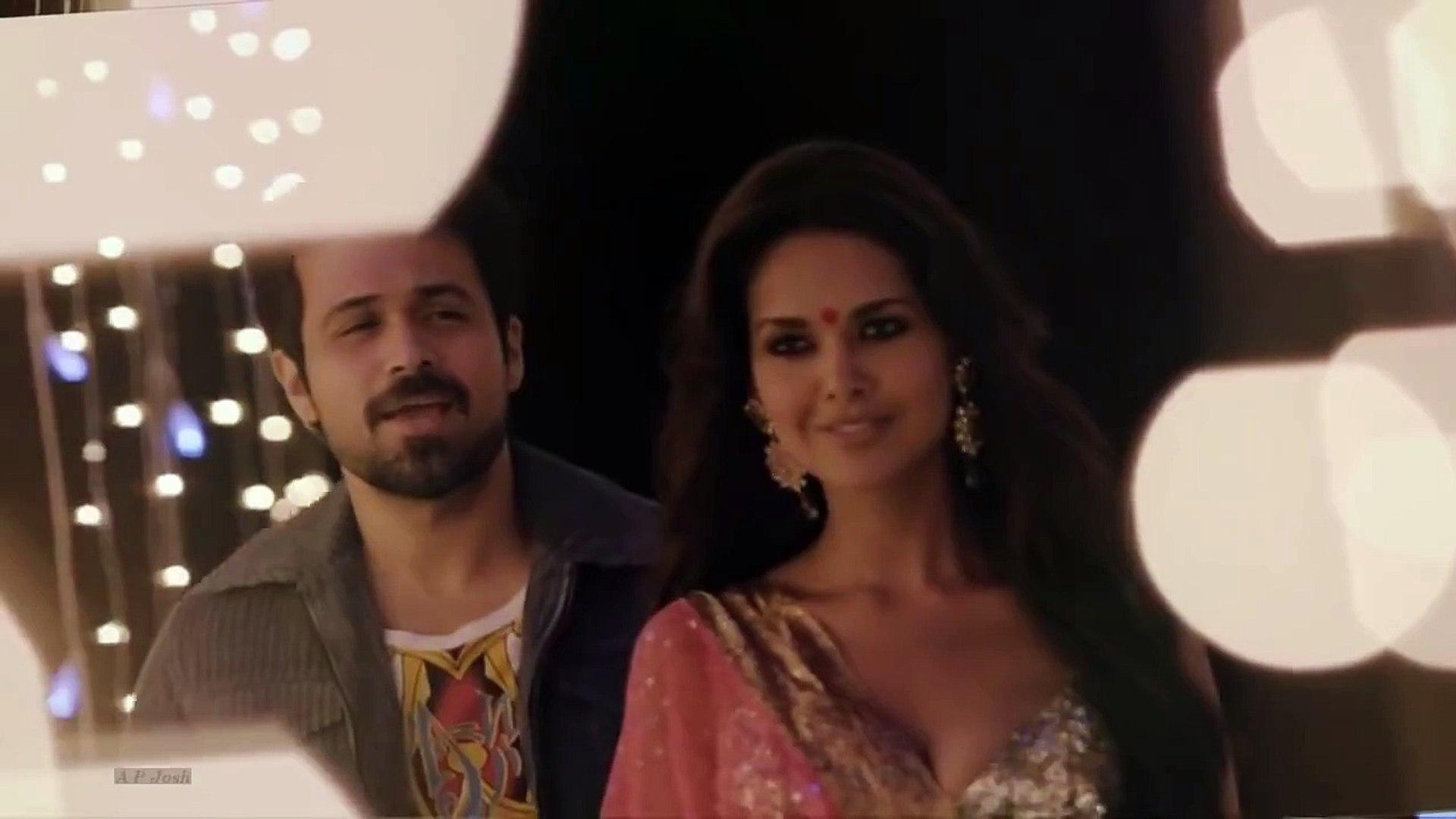 Esha Gupta hot Navel show in sari - bollywood movie scene