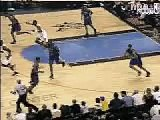 Allen Iverson dunks on Vince carter