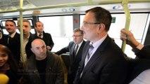 Alain Vidalies inaugure la voie dédiée aux bus et taxis sur l'A1