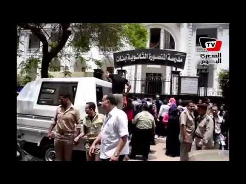 لحظة وصول الجيش والشرطة لفض اعتصام أولياء أمور وطلاب الثانوية العامة في المنصورة