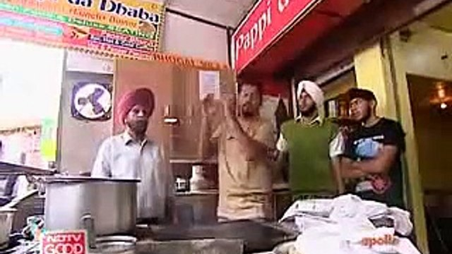 [ Pappi da Dhaba ]NDTV Good Times Video_ Rocky and Mayur go to [ Pappi da Dhaba ].mp4