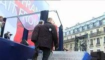 1er-Mai : Jean-Marie Le Pen s'invite à la tribune avant le discours de sa fille