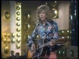 David Bowie - Space Oddity HQ (Debut TV 1969)